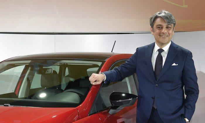 Adı Renault ile anılan CEO istifa etti
