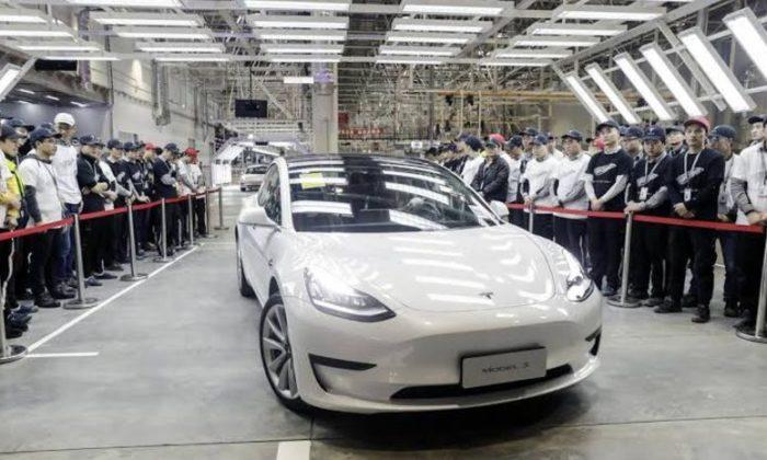 'Made in China' Tesla yola çıktı