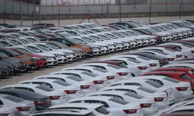"""Otomotiv 14. kez ihracatın """"lider sektörü"""""""