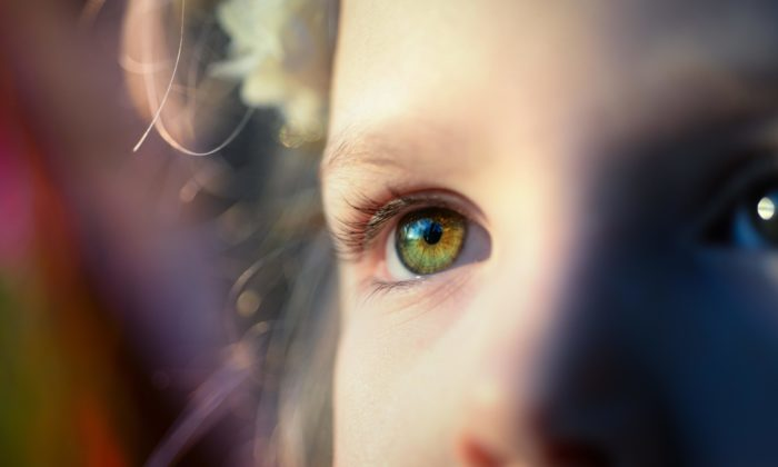 Çocuklarda göz kapağı düşüklüğü nasıl tedavi edilir?