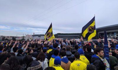 Fenerbahçe taraftarı TFF'ye yürüdü