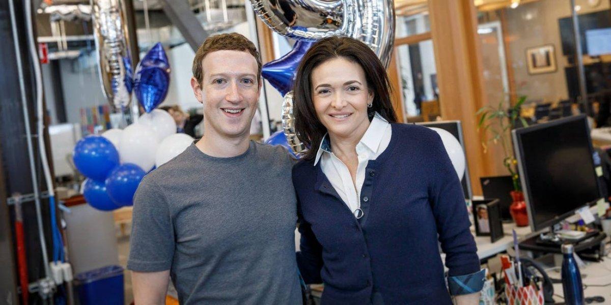 Soros: Zuckerberg görevi bıraksın