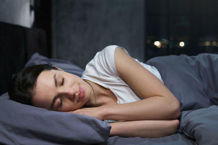 Aç karnına uyumak sağlıklı mı? Aç yatmanın 4 zararı