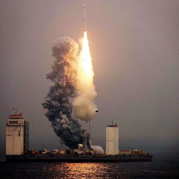 Çin'den fırlatılan 849 tonluk roketin enkazı Dünya'ya düştü
