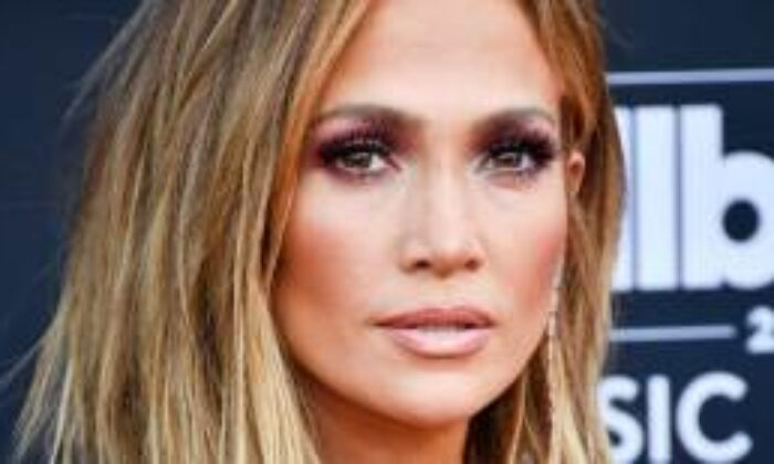 Jennifer Lopez'in Paylaşımındaki Detay Dikkat Çekti