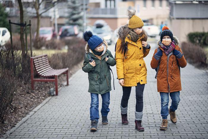 Pandemi sürecinde sorumluluğun en büyüğü ailelerin