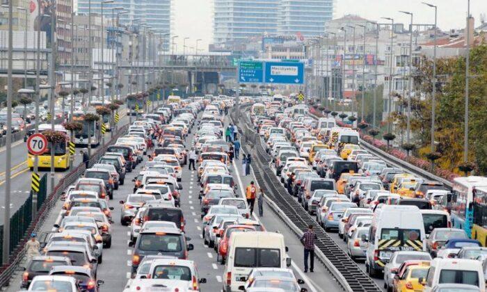 Trafiğe çıkan araç sayısı yüzde 38 arttı