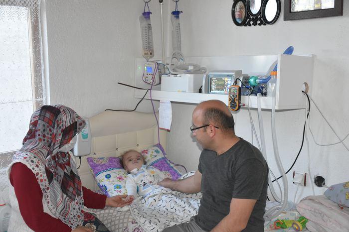 15 aylık bebek milyonda bir görülen Pompe hastalığına yakalandı...