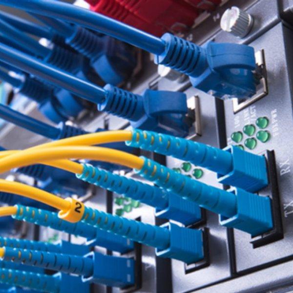 Facebook, Afrika'ya 37 bin kilometre internet ağı kuracak