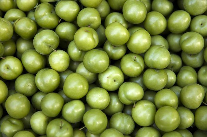 Yeşil eriğin faydaları neler? Yeşil erik tüketmeniz için 11 neden