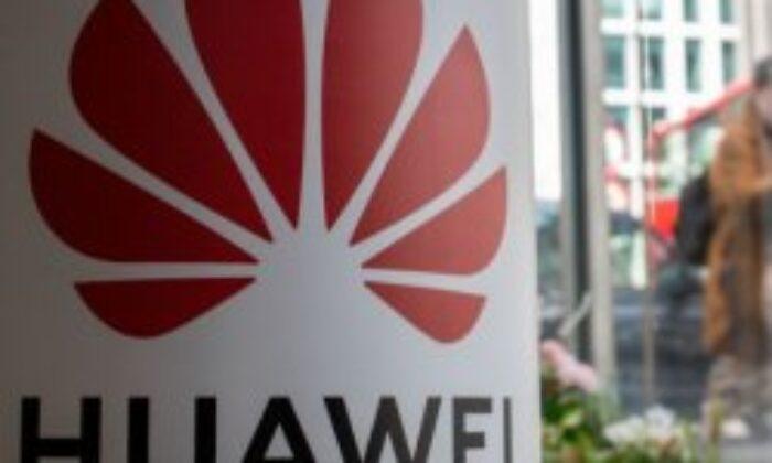 İngiltere, yıl sonuna kadar Huawei'den vazgeçebilir