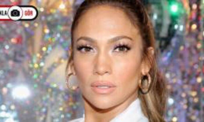 Jennifer Lopez Kendi Kozmetik Markasını Çıkarıyor