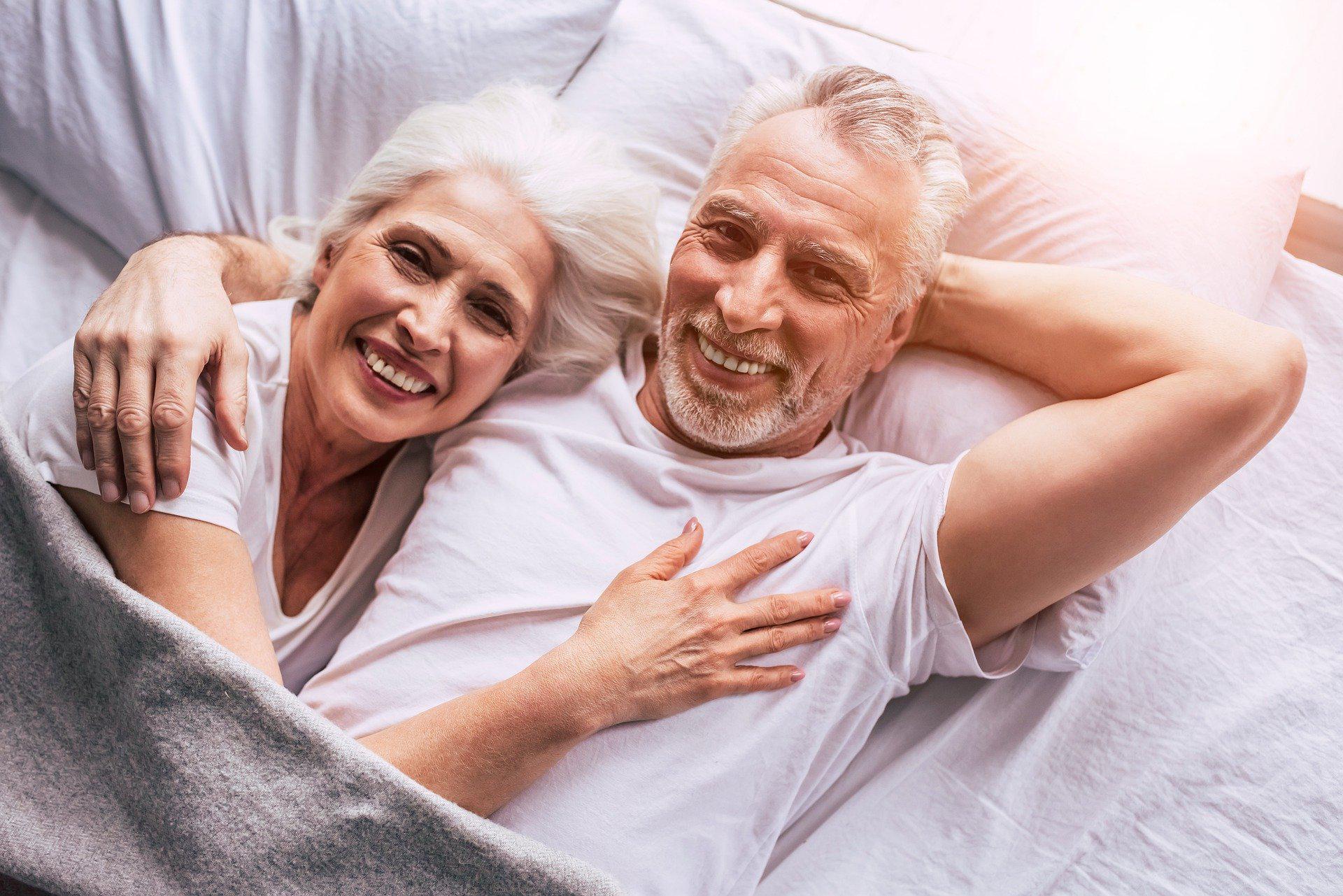 50 yaş üzeri erkeklerin sık yaşadığı 8 cinsellik sorunu ve çözümleri