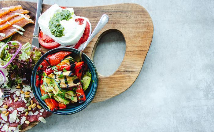 Kaloriyi azaltmak ve az yemek ömrü uzatıyor