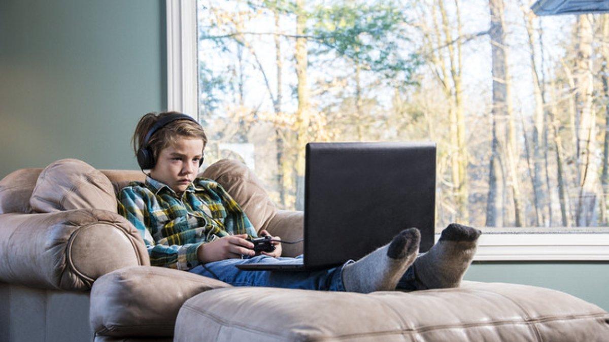 Şiddet içerikli oyunlara karşı ebeveynlere uyarılar