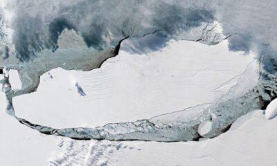 Antarktika'da kopan 150 kilometrelik dev buz dağı uzaydan görüntülendi