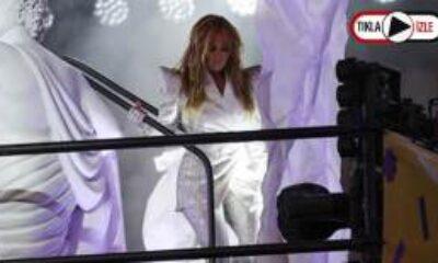 Jennifer Lopez New York Times Meydanı'nda Sahne Aldı
