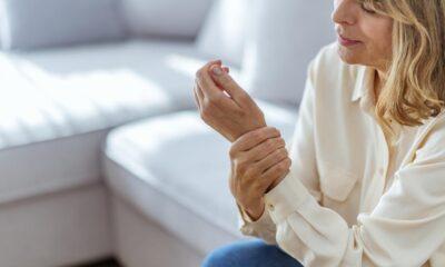 El ağrısı neden olur? Nasıl geçer? El ağrısı için hangi bölüme…