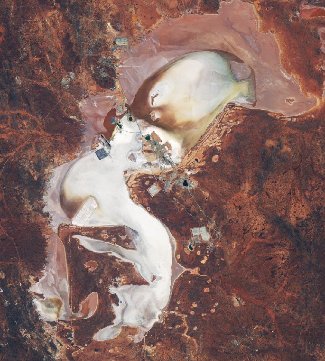 NASA, balığı andıran Lefroy Gölü'nün etkileyici uydu fotoğraflarını yayınlandı