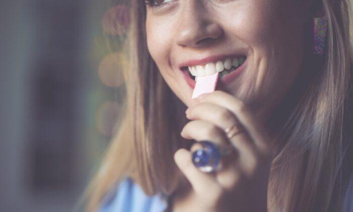 Uzmanlardan önemli öneri: Şekersiz sakız çiğneyin