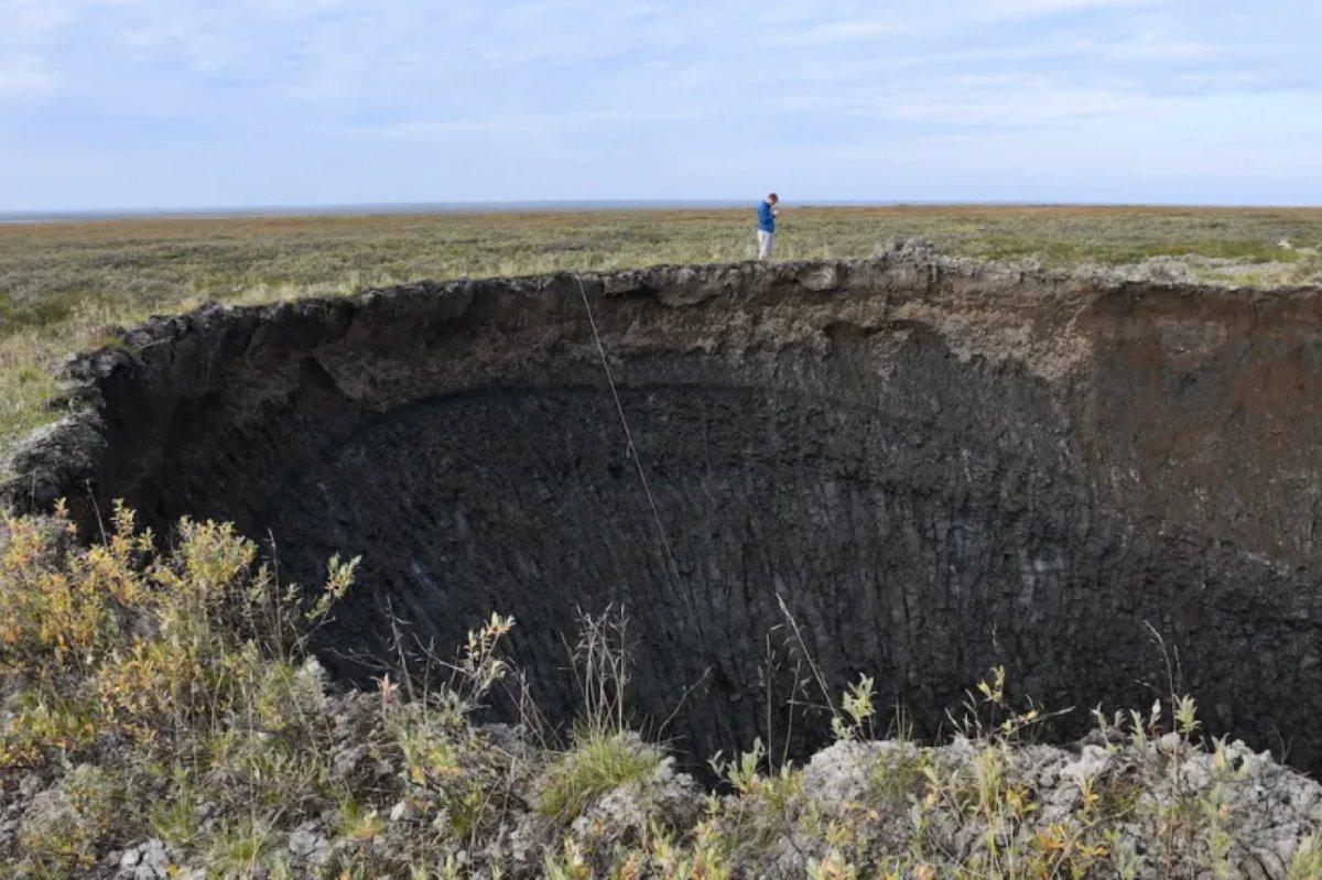 Bilim insanları, Sibirya'daki dev deliklerin sırrını çözdü