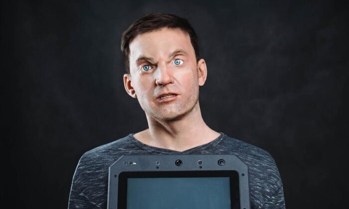 Rus robot şirketinden gerçekçi insan robotlar Arnold Schwarzenegger'in yüzüne sahip robot VİDEO